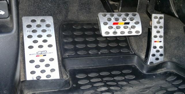 Управление автомобилем с автоматической КПП