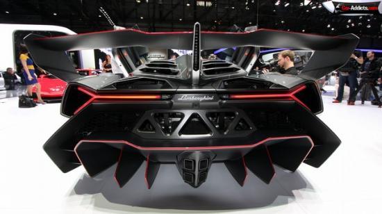 Конкурируют  Lamborghini и Ferrari