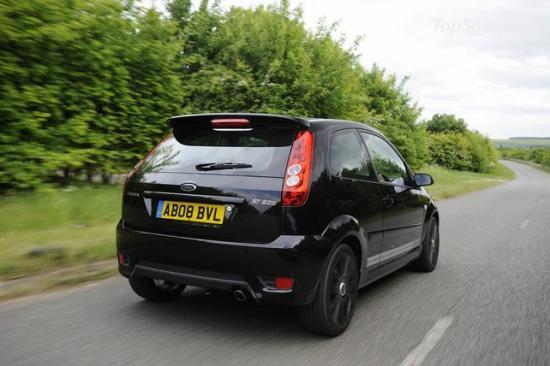 Материалы интерьера Ford Fiesta 2008 года имели немецкий сертификат TUV, как антиаллергенные