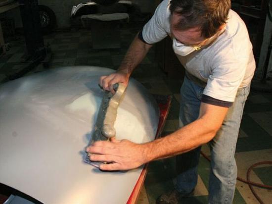 Шлифовка производится наждачной бумагой