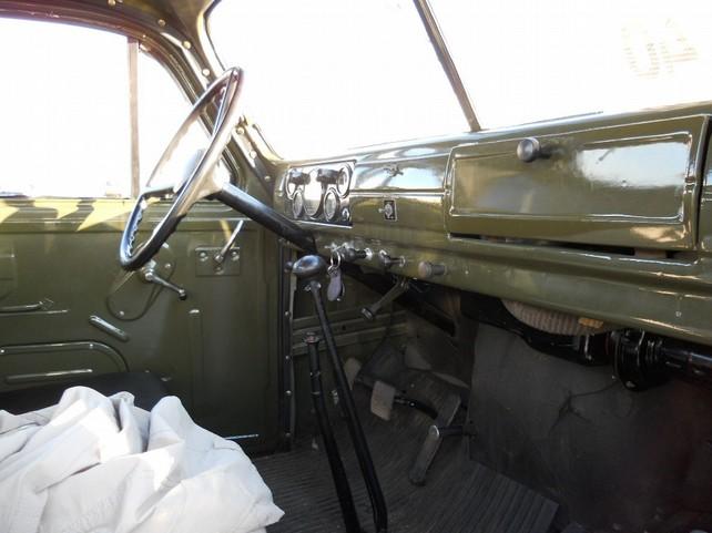 В ГАЗ 51А есть доп.педаль