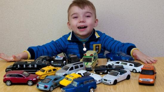 Нужны ли ребенку автомобили