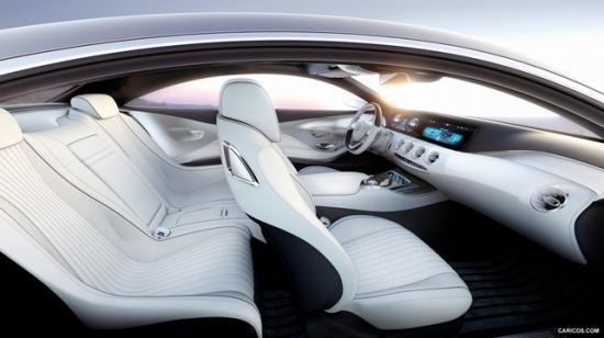 По техническому оснащению и уровню интеграции электроники, купе S-Class 2015 года гораздо выше седана
