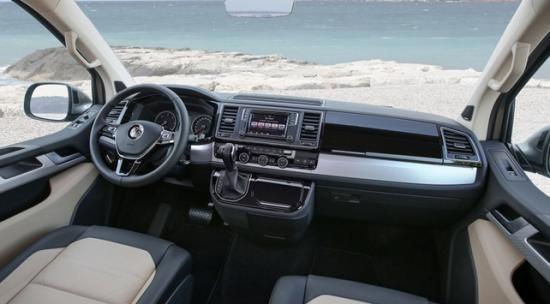 Автомобиль имеет семь мест