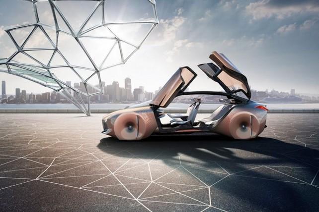 Автомобиль может ориентироваться в пространстве сам