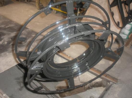 Когда шина готова, собирают диск