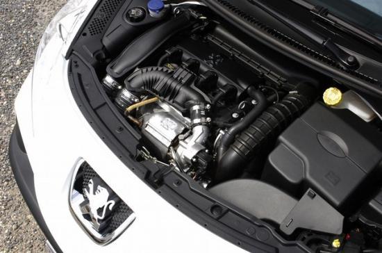 Расход топлива с  роботом — 5,2 литра по трассе