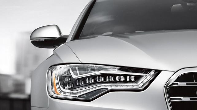 Внимательно посмотреть Audi А6 в глаза
