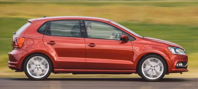 Ярко-красный автомобиль купили 18% публики