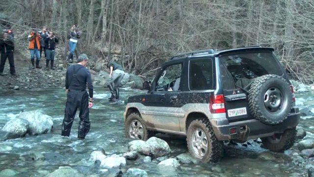 Форсирование реки на Паджеро Пинин