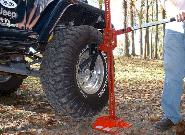 Подъем внедорожника за колесо