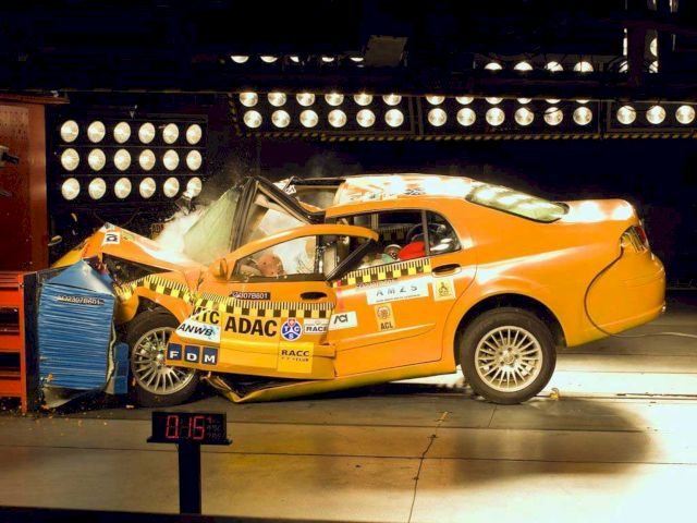 Краш-тест автомобиля Brilliance BS6