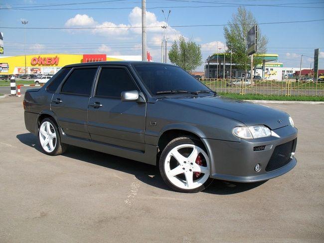 Тюнингованный ВАЗ 2115, оригинальный цвет Серый асфальт
