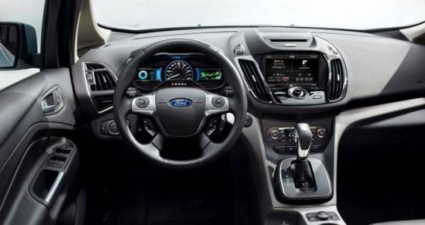 Обзор Ford C-Max Hybrid 2017